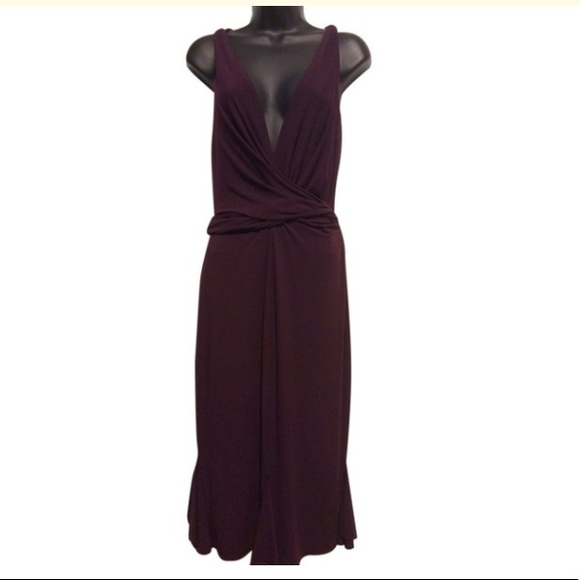Vera Wang Dresses & Skirts - Vera Wang Gold Label Burgundy Plunge Dress